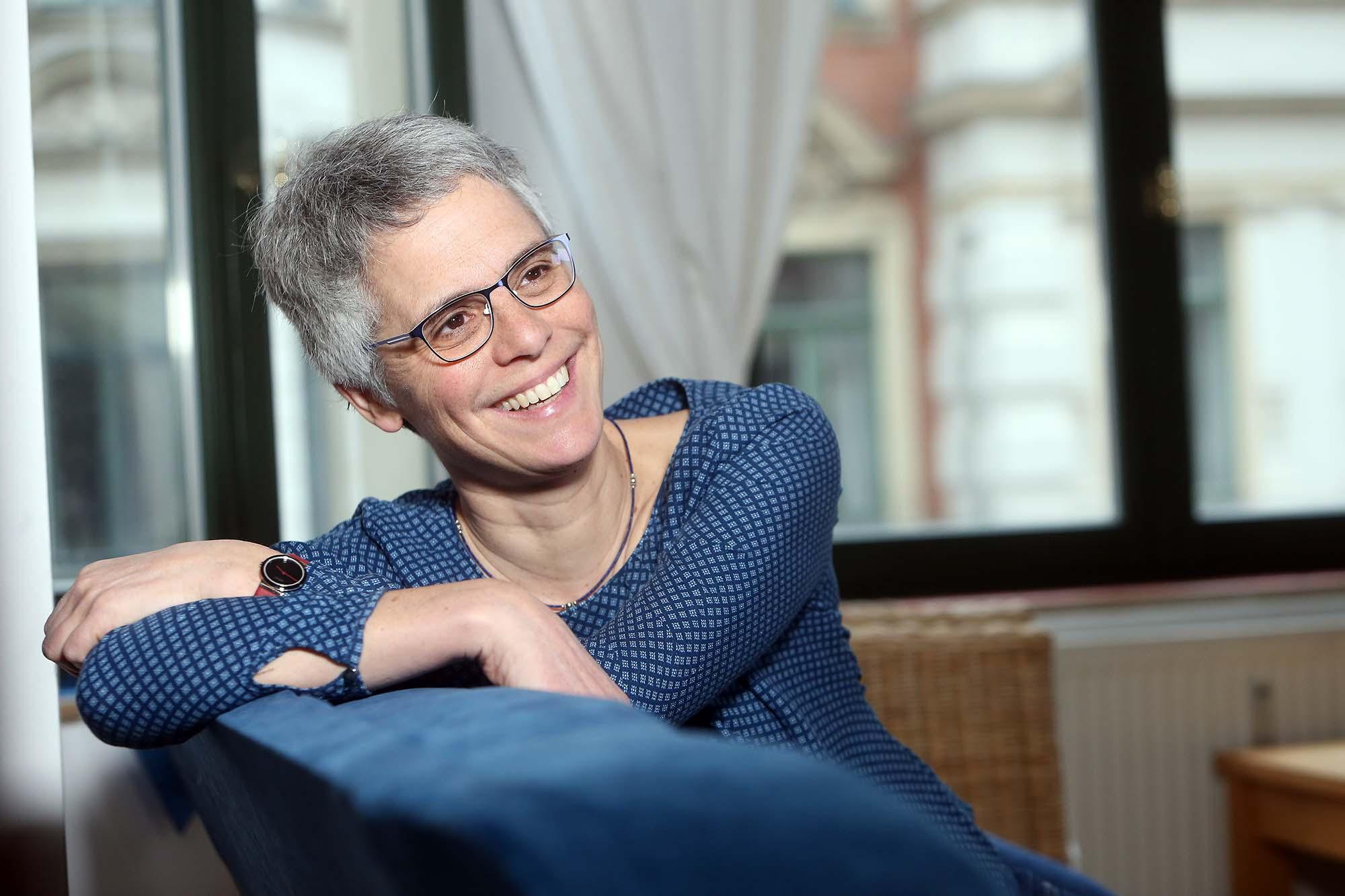 Porträt Gabriele Fleck Hartmuth, lachend